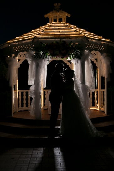 castaway-restaurant-burbank-california-wedding-party-gazebo-alter-sunset-view-cake-cutting-romantic-getting-ready-dancing-reception-bobbie-pyle-photography-bridal-party-12