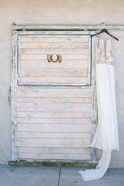 La Bonita Ranch-Murrieta-California-ranch wedding-wedding cake-summer-wedding-wedding invitations-cake-bobbie-pyle-photography-wedding-4